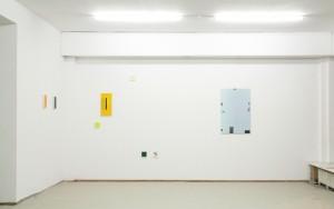 v.r.n.l. Labyrinth 2, 2010, digitale Fotoarbeit, Pigmentdruck, 120x 85 cm (links: mehrteilige Arbeit von Thomas Kemper), Foto: W. Lüttgens